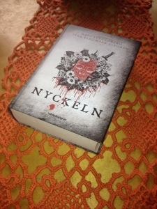 Framsidan på boken Nyckeln